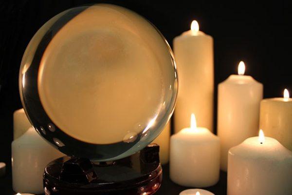 kristallipallo koriste